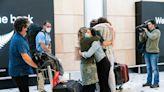 紐澳旅遊泡泡啟動機場現人潮 希臘迎荷客爆4確診
