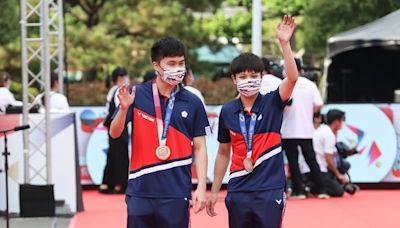 林昀儒穩居男單世界第5、混雙第2 全運會與「學姐」鄭怡靜合體