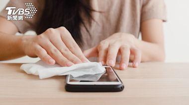 手機也是防疫破口!三家手機大廠分享「正確消毒方式」