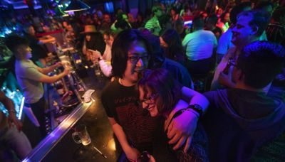 Los Angeles County to require COVID vaccination proof at indoor bars