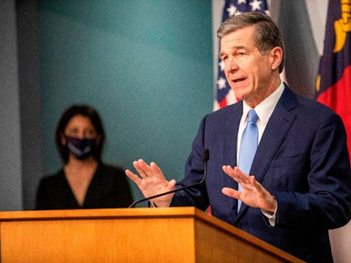 NC expects to lift most COVID restrictions by June 1, except mask mandate, Cooper says