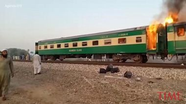 Burning Train in Pakistan Took 20 Minutes to Stop Amid Blaze That Left 74 Dead, Say Survivors