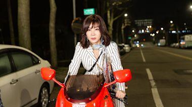 陳美鳳霸氣飛車救人 幕後超糗揭秘「一度跨不上車」
