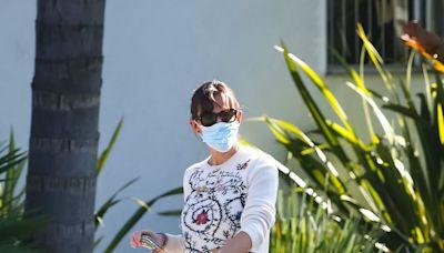 Jennifer Garner Wore the $23 Slipper Clog Trend That's Everywhere Lately