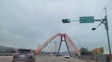 頭份大橋鋼索鏽蝕禁行大型車輛 警11日起依法取締