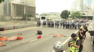 香港「612大遊行」兩周年! 警拉封鎖線防衝突 狂攔查黑衣人