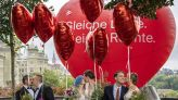 LGBT歷史一刻!瑞士同婚公投64%贊成 全球第30個彩虹國 | 全球 | NOWnews今日新聞