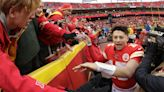 Chiefs top Bolts 31-21 to earn No. 2 seed, first-round bye