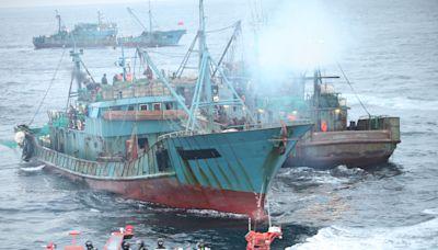 韓國海警6天查獲8艘非法捕撈的中國漁船