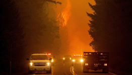 2 wildfires ravage Northern California homes as thousands evacuate