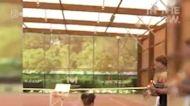看看網球名將小威廉絲,和女兒一起打網球的可愛互動!