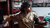Diego, due statue e un giallo: blitz del Comune allo stadio Maradona