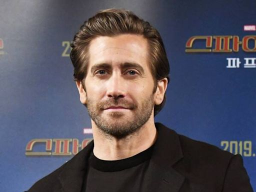 Jake Gyllenhaal Clarifies Those Controversial Bathing Comments