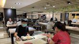同住家人出外聚餐 北市規定:同桌仍要保持1.5公尺或隔板