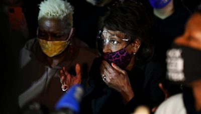 Maxine Waters slams GOP attacks over 'confrontational' comment: 'I am nonviolent'