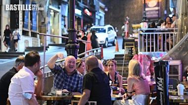 五一假期酒吧餐廳座無虛席 疫苗氣泡下部分食肆C區客流稀少   社會事