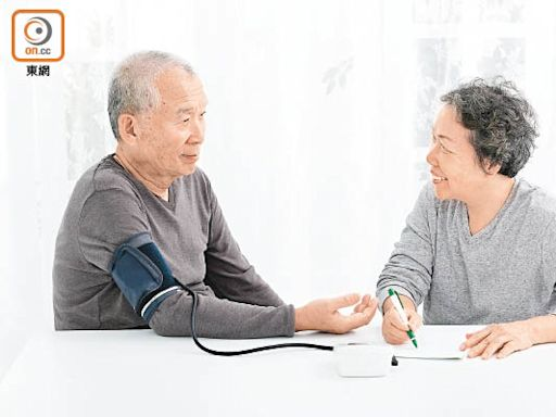 醫健:準備不當 錯坐姿 量血壓恐現差異 - 東方日報