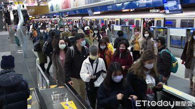 搭捷運內湖上班 「人潮擠爆」卻打不到疫苗!怒:補教憑什麼插隊