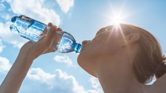 En pleine canicule, quels sont les symptômes d'une déshydratation?