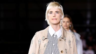 Agyness Deyn Makes a Return to the Runway at Burberry