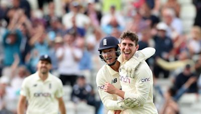 England end day of toil on a surprising high after New Zealand make most of reprieves