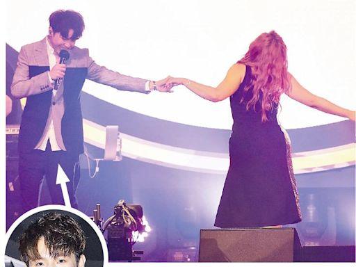 問准花姐 Serrini台上拖Ian合唱 - 20210607 - 娛樂