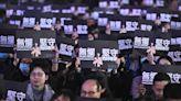 香港教師爆「逃亡潮」危機!調查:4成教師想離職、7成因政治壓力