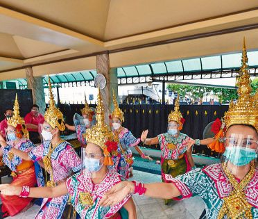 泰國下月開關 港人打齊針免隔離