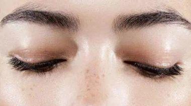 夏日護膚,不想皮膚出油、發光,建議最好避開這「5種」雷區