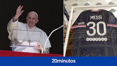 """Los elogios del Papa Francisco a Messi tras recibir una camiseta firmada: """"No se te subieron los humos a la cabeza"""""""