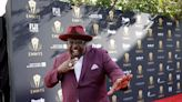 Cedric The Entertainer Wants You Ready To Laugh For The Emmys And 'The Neighborhood': 'It's All Poppin' Off''