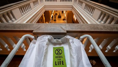 Victoria and Albert Museum praises Extinction Rebellion for creating 'welcoming spaces for all'