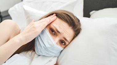 First Signs You Have COVID, According to Doctors