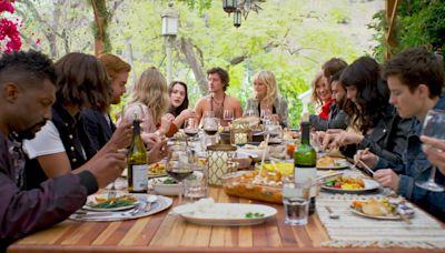 Saban Films Buys Ben Stiller-Produced Comedy 'Friendsgiving' With Malin Akerman, Kat Dennings, Chelsea Peretti