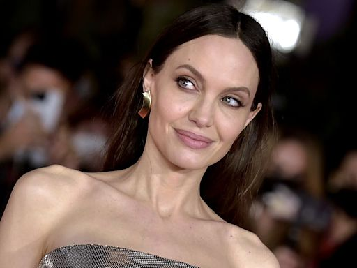 Everybody is talking about Angelina Jolie's, er, interesting hair extensions