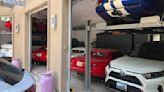 車庫不夠停怎麼辦? Dodge毒蛇玩家自製機械停車位解決