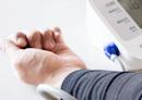 日本專家教1分鐘「降血壓操」!簡單動作讓血管柔軟有彈性