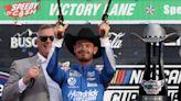 Kyle Larson dominates at Texas, clinch spot in NASCAR Championship 4