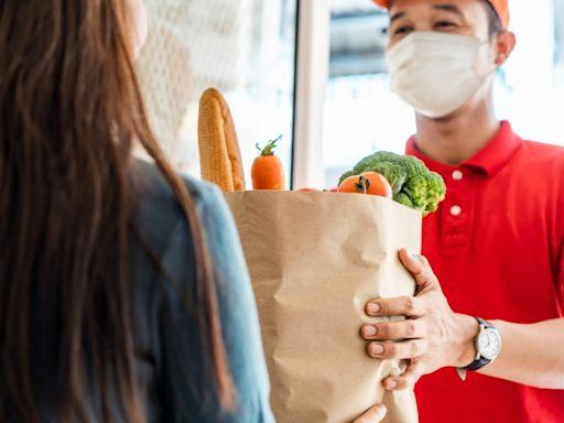 iCHEF疫情餐飲景氣報告:三級警戒雙北衰退逾六成 - 自由財經