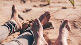 大腳男易偷吃?最新研究列男人出軌率 意外揭戀愛市場現實面