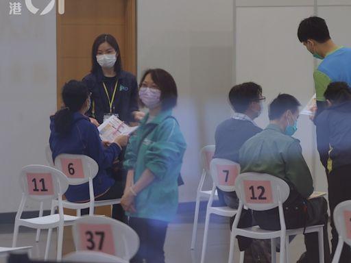 新冠疫苗|5.02萬人接種創單日次高 16人昨打針後不適送院