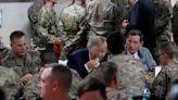 川普感恩節旋風造訪阿富汗 稱不排除和神學士重啟和平談判