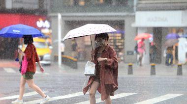 雨勢加劇!18縣市擴大發布豪大雨特報 高雄、台北1級淹水警戒
