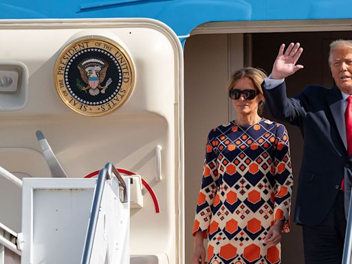 Melania awkwardly shrugs off Donald Trump one final time in new, viral video