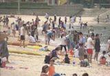 市民趁泳灘重開嬉水 須戴口罩守4人限聚令