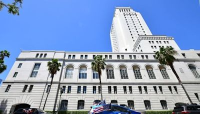 Unvaccinated L.A. city employees could get until mid-December to get their shots