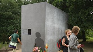 Memorial to gay victims of the Holocaust vandalized in Berlin