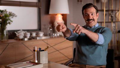 """Emmys: Expertos de AP favorecen a """"The Crown"""" y """"Ted Lasso"""""""