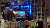 寶寶圍欄正確使用方法曝!網一看笑瘋:爸爸很聰明|Child safety gate put to alternative use by Taiwanese father tickles Internet | The China Post, Taiwan