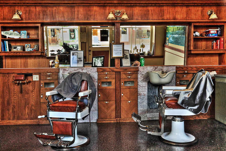... and incorporates <b>barber</b>, <b>barber shop</b>, and <b>barber</b> chair design themes